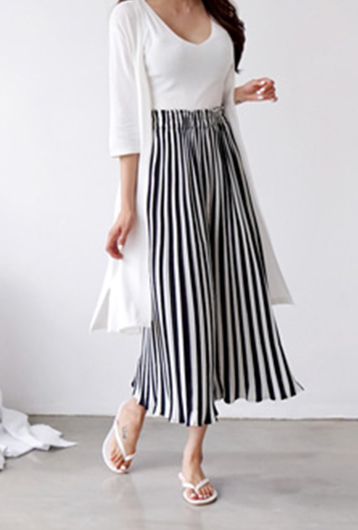 Picture of By BLUE LABEL | Cool Pleats Pants #Black & White Stripe